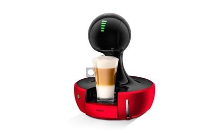 Si buscas una cafetera de cápsulas diferente, esa es la Krups Nescafé Dolce Gusto Drop, que sale por 86 euros en Amazon