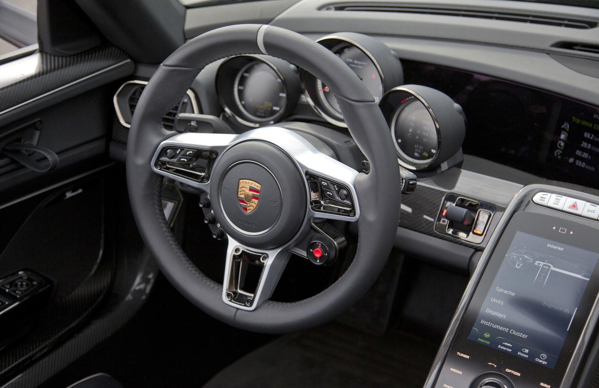 Foto de Porsche 918 Spyder (13/17)