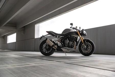 Triumph Speed Triple 1200 Rs 2021 048