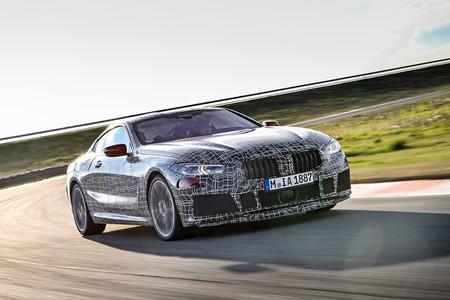 ¡Rabioso! Este es el poderoso rugido del BMW Serie 8 rodando en circuito