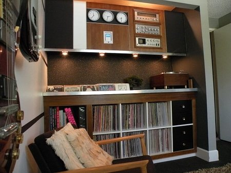 Otra vista de la habitación de la música.