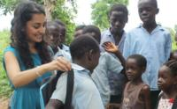 Estas mochilas quieren mejorar vidas en Kenia gracias a la energía solar