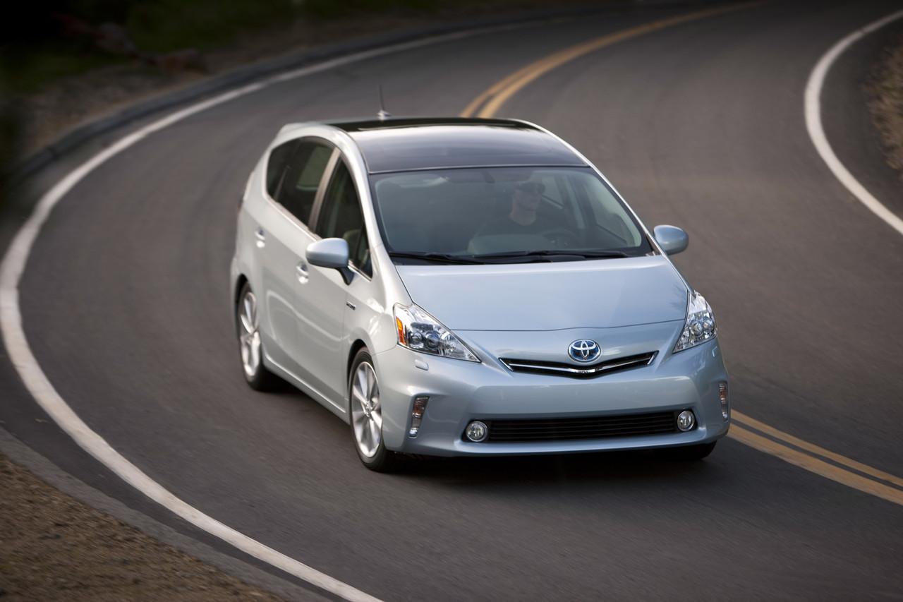 Foto de 2011 Toyota Prius v (22/77)