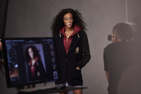 Winnie Harlow Tommy Icons Blazer Bts Fall 18 High Res