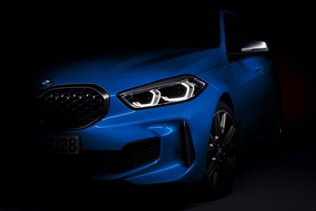 El BMW Serie 1 2020 asoma la mirada previo a su debut este mismo mes
