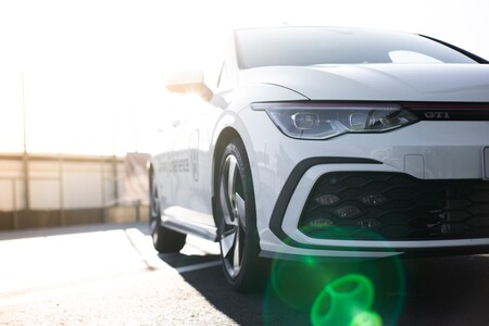 Volkswagen Golf GTI frontal