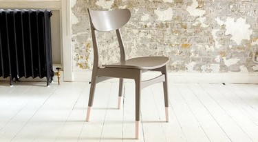 Paso a paso: cómo crear un efecto de patas sumergidas en las sillas
