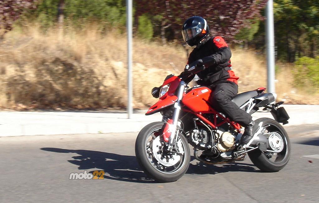 Foto de Prueba Ducati Hypermotard (10/13)