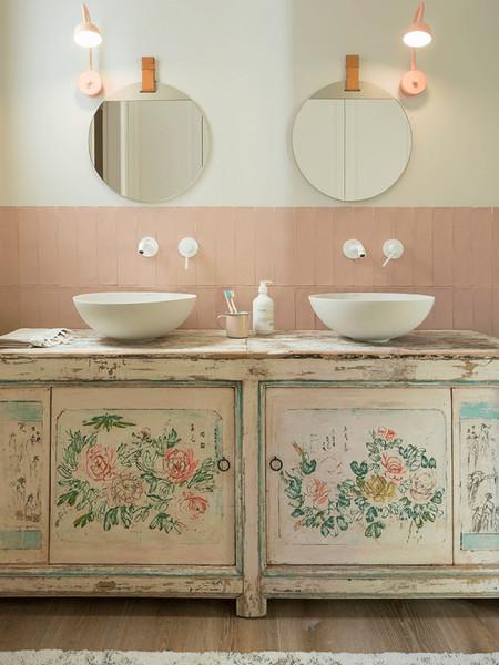 detalle cuarto de baño niñas