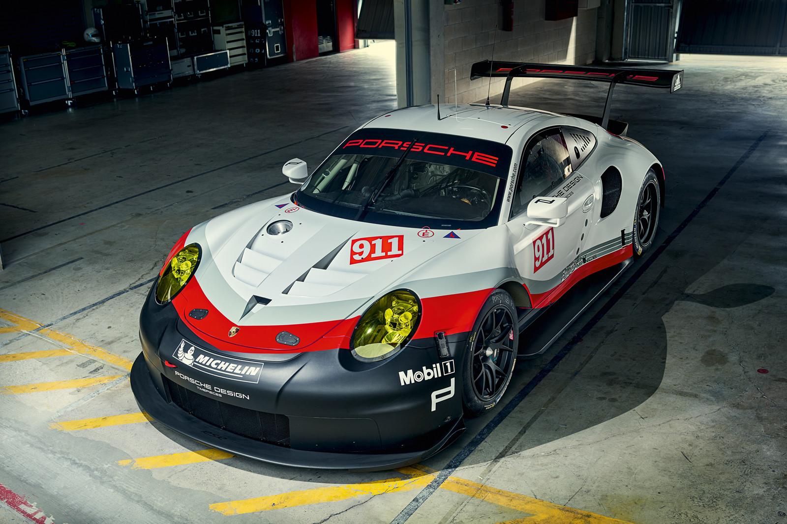 Foto de Porsche 911 RSR 2017 (3/9)