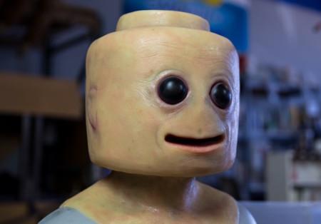 """Nunca creímos que una figura de Lego con aspecto """"humano"""" pudiera ser así de aterradora"""