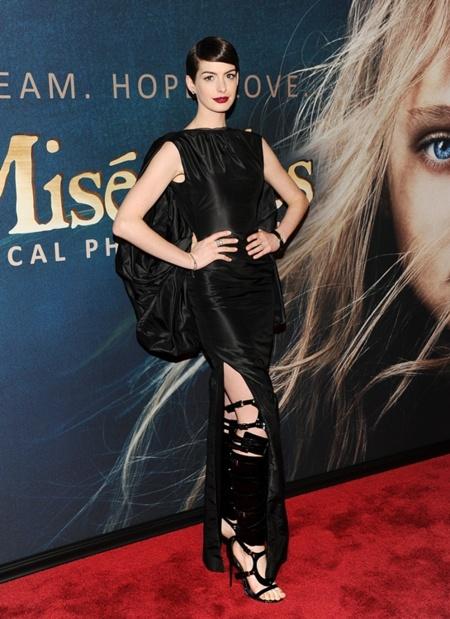 Estreno de Los Miserables en Nueva York: Anne Hathaway cada vez más espectacular
