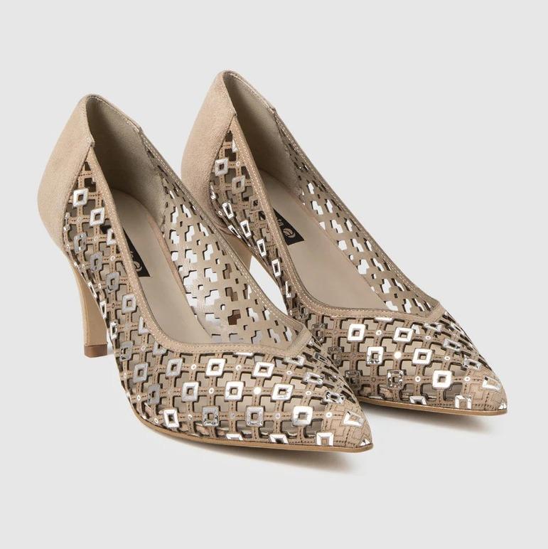 Zapatos de salón de mujer Argenta negros en ante con detalle troquelado