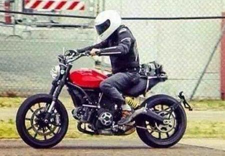 La Ducati Scrambler prepara su puesta en largo, nueva foto espía
