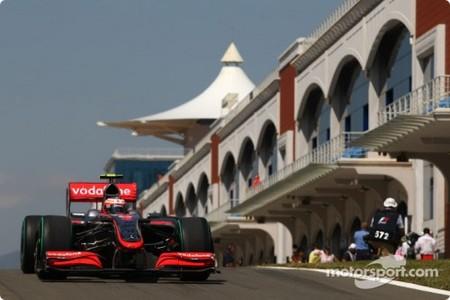 Kovalainen, Alonso y Kubica mandan en los segundos libres