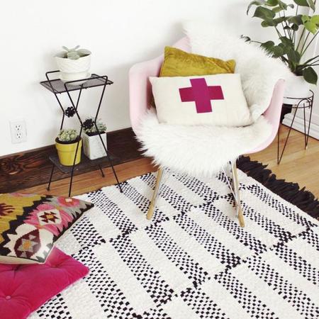 Ideas de cómo aplicar el color de moda, orquídea radiante, en tu hogar
