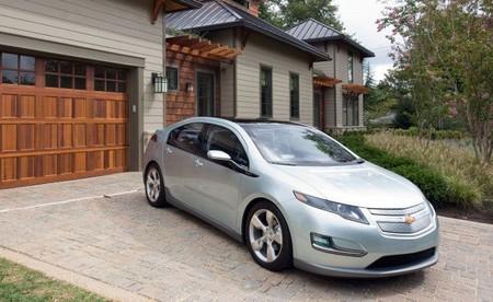 La posible bajada de precio del petróleo en EE.UU. no ayudará al coche eléctrico