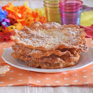 Tortas fritas de Carnaval suizas o fasnachtschüechli, la receta suiza de nombre impronunciable (muy similar a nuestras orejas)