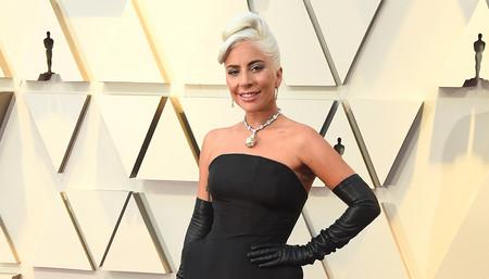 Premios Oscar 2019: Lady Gaga luce un original vestido negro acompañado de un collar de 30 millones de dólares