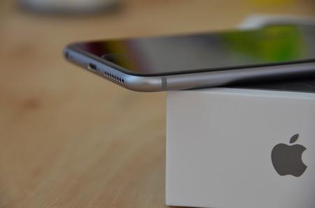 Más detalles del posible iPhone de 6,1 pulgadas: 4 GB de RAM, dos celdas de batería y todo lo que sabemos hasta ahora