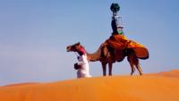 """Google nos hace un """"street view"""" del desierto de Liwa a lomos de un camello"""