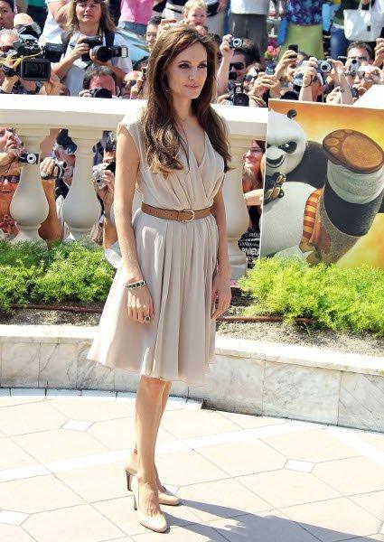 Angelina Jolie en el Festival de Cannes 2011: larga melena y look natural