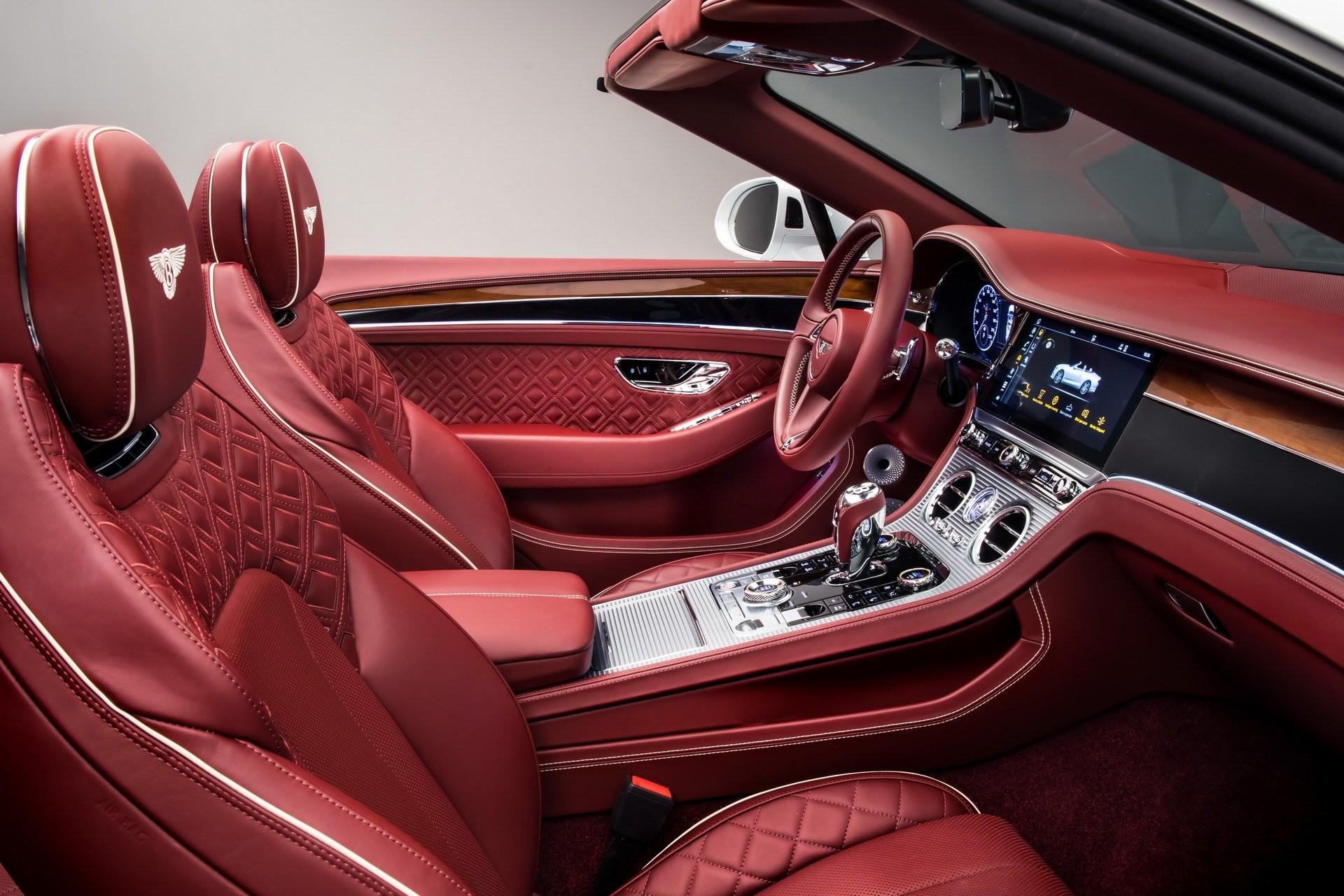 Foto de Bentley Continental GT Convertible 2019 (26/35)