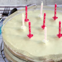 Tarta de cumpleaños de tres chocolates. Receta para niños