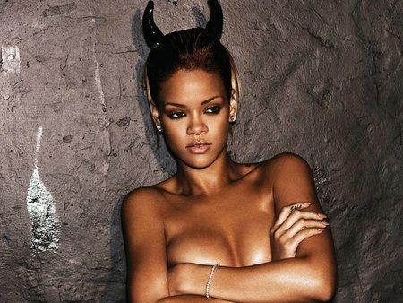 ¿Le ha entrado a Rihanna la fiebre de la boda?