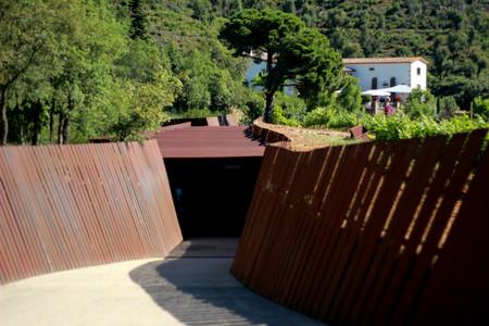 Enoturismo y placer: la bodega subterránea de Bell-Lloc y su hotel con encanto