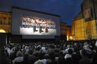 El gobierno prohíbe proyectar estrenos a los cines de verano
