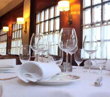 Restaurante Izarra, cuarenta años de gastronomía familiar en Barcelona