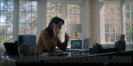 Iphone Michelle Dockery As Laurie Barber In Defending Jacob