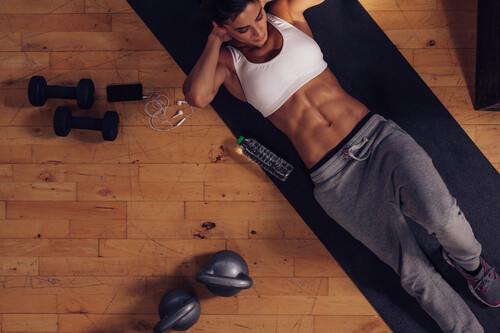 Cinco ejercicios para tu core que puedes hacer en casa y sin material