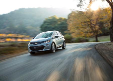 Chevrolet Bolt EV: La respuesta al Tesla Model 3 que no necesita preventas para fabricarse