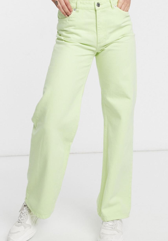 Vaqueros de pernera ancha de talle alto en algodón orgánico verde lima Yoko de Monki