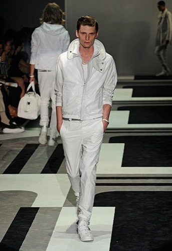 Gucci, Primavera-Verano 2010 en la Semana de la Moda de Milán IV