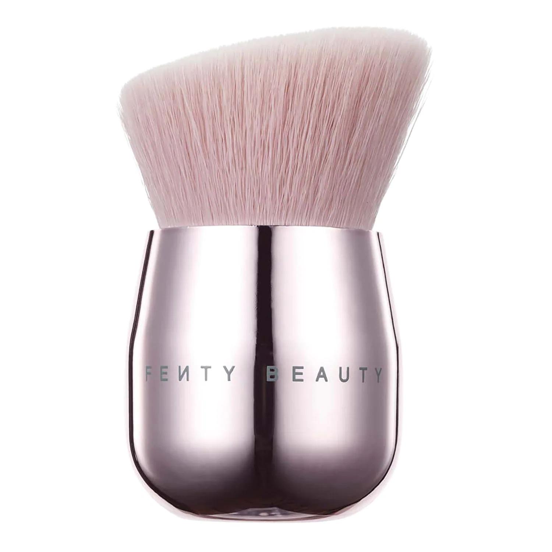 Baby Buki Brush Brocha FENTY BEAUTY