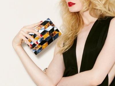 Brian Atwood se pasa al diseño de bolsos