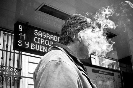 El hombre y el humo