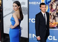 Emilia Clarke y Nicholas Hoult serán Bonnie y Clyde