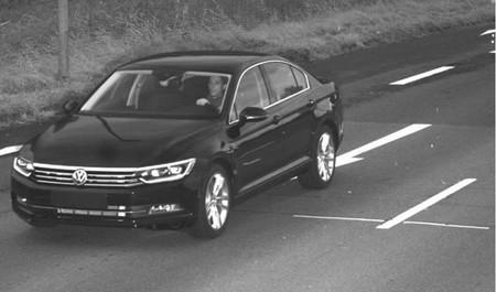 Roban dos nuevos Volkswagen Passat directamente de la fábrica de Emden
