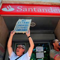 Los bancos españoles tendrán que pagar el impuesto de las hipotecas. Y la bolsa ha entrado en pánico