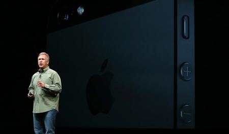 Apple no tiene intenciones de fabricar un iPhone de bajo costo: Phil Schiller