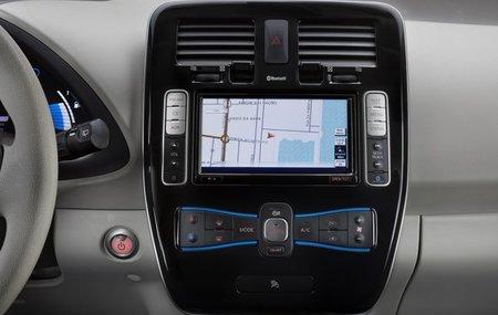 Nissan-LEAF-navegador