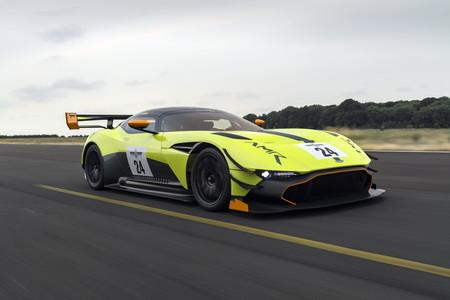 ¿El Aston Martin Vulcan no es lo suficientemente extremo para tí? Seguramente esta versión de AMR cambiará tu opinión