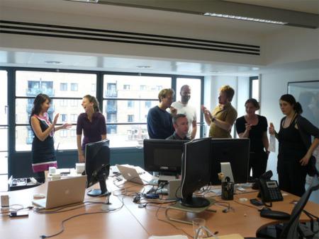 Las malas posturas en el trabajo reducen la productividad y generan dolor. ¿Seguro?.