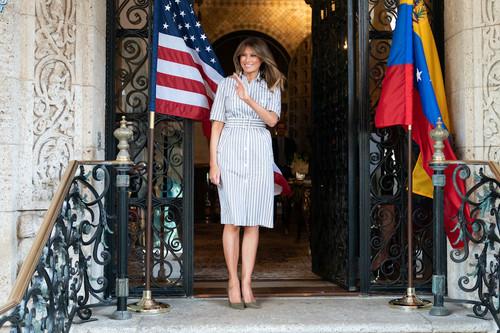 El vestido de Melania Trump que podría convertirse en tu próxima obsesión esta nueva temporada