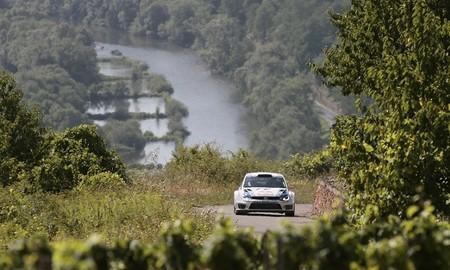 Rallye de Alemania 2013: Jari-Matti Latvala se escapa en cabeza