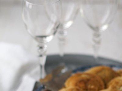 Pasta fresca rellena frita. Receta de aperitivo navideño original